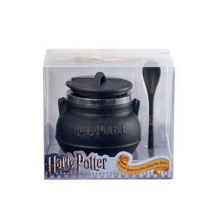 To a muggle, this is just a black coffee mug. Harry Potter Ceramic Cauldron Soup Mug with Spoon ...