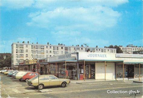 cpsm 78 quot les mureaux centre commercial de bougimont quot 78 yvelines autres communes