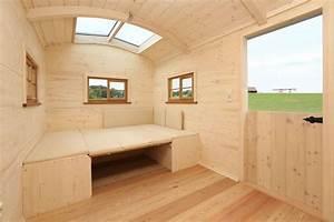 Tiny House Campingplatz : luxus caravan der kompakte wohnwagen mit veranda ein hingucker auf jedem campingplatz leben ~ Orissabook.com Haus und Dekorationen