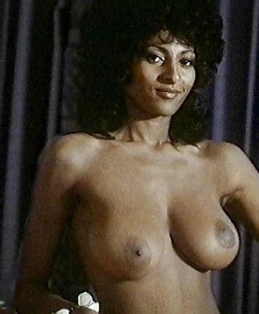 Nackt  Pam Spencer Pamela Anderson,