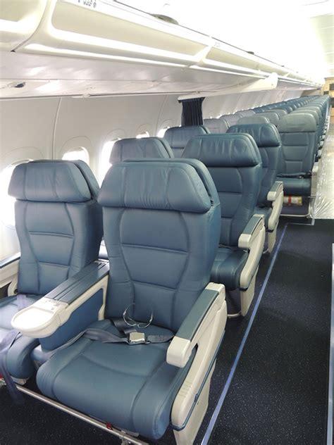 delta 717 cabin delta previews b717 fleet fresh paint brand new