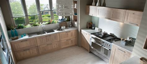 catalogue cuisine schmidt schmidt cuisine aragon 2013 photo 4 20 le bois domine tout dans cette cuisine sur mesure