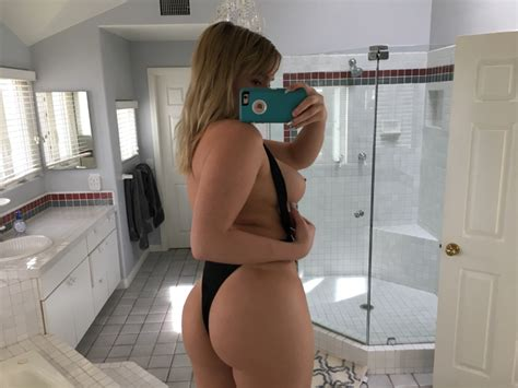 Zoie Burgher Patreon Nudes Pics Sexy Youtubers
