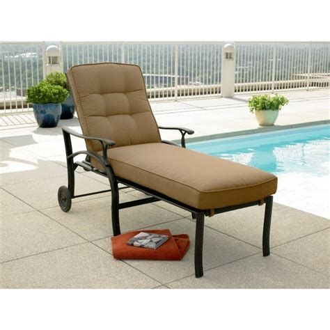Lounge Furniture Clearance by Contemporary Outdoor Chaise Lounge Clearance Cushions With