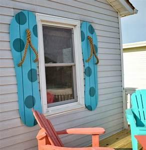 DIY Decorative Flip Flop Shutters - Completely Coastal