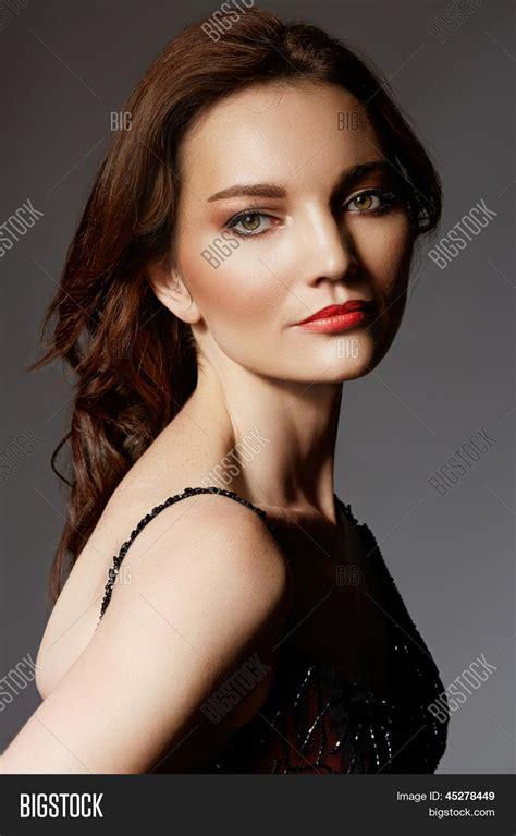 Dramatic Portrait Beautiful 30 Year Image & Photo Bigstock