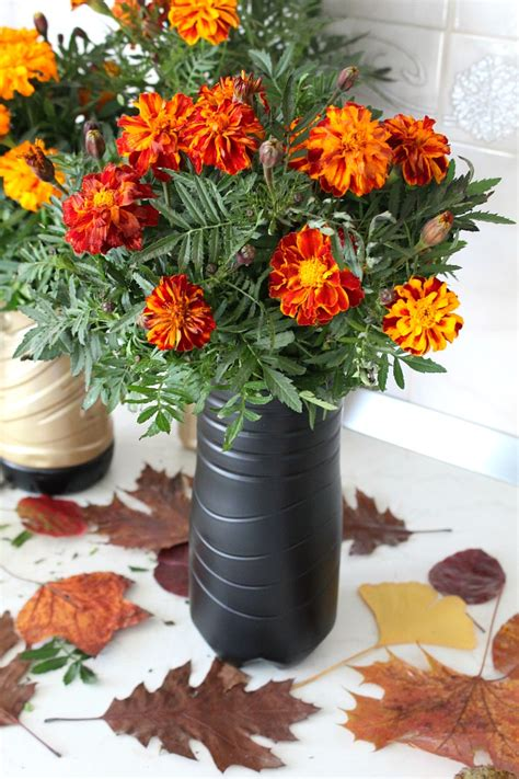Flower Vase by Plastic Bottle Flower Vase Amazingly Easy Recycling Project