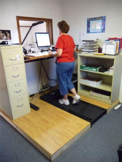 bureau tapis roulant travailler au bureau avec un tapis roulant tuxboard