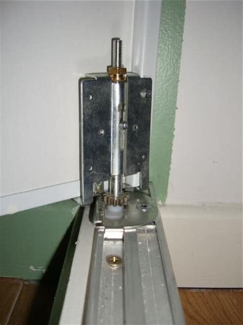 charniere de porte de placard charni 232 re porte de placard pivotante