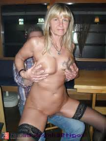 Model Regi Nackt In Einer Kneipe Lapdance Mit Gast Zb Porn