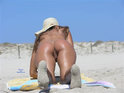 Pussy From Behind At Beach August Voyeur Web Hall Of Fame
