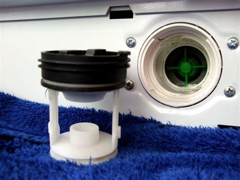 flusensieb waschmaschine wo finde ich bei der waschmaschine den flusensieb au 223 en nichts zu erkennen keine klappe etc