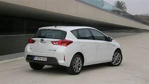 Essai Toyota Auris Hybride 2017 : essai toyota prius rechargeable 2017 hybride rallonge autos post ~ Gottalentnigeria.com Avis de Voitures
