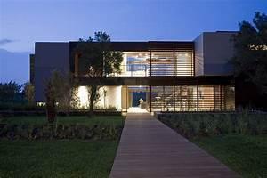 House Serengeti: Sharp Angles, Contemporary Architecture ...