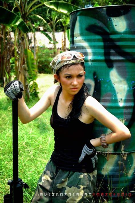 Ariel Tatum Sharing Foto Artis Indonesia