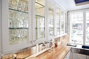 Glass for kitchen cabinet doors added with neutral nuance for Kitchen cabinet doors with glass