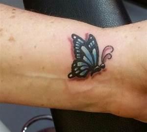 Kleiner Schmetterling Tattoo : schmetterling tattoo designs mit bedeutungen 40 ideen ~ Frokenaadalensverden.com Haus und Dekorationen