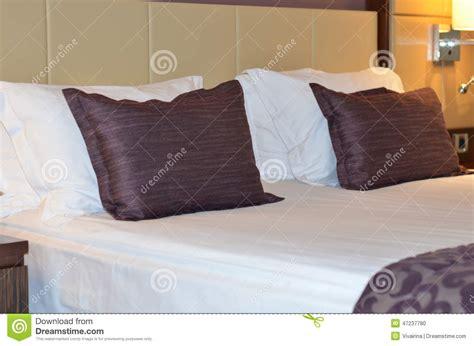 chambre d h es de luxe intérieur chambre d 39 hôtel moderne de luxe bâti grand dans