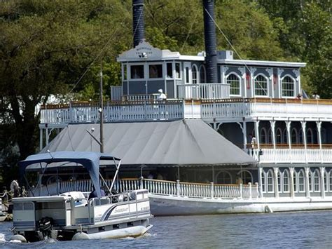 Michigan Princess Boat Lansing Mi by Thanksgiving Weekend 5 Things To Do If You Want To Avoid