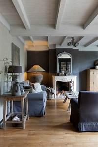 Wohnzimmer Italienisches Design : wohnzimmer design wandfarbe grau ~ Markanthonyermac.com Haus und Dekorationen