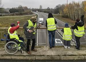 Point De Rassemblement Gilet Jaune : gilets jaunes rassemblement en vue paris pour l 39 acte 2 de la mobilisation ~ Medecine-chirurgie-esthetiques.com Avis de Voitures