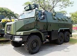 Véhicule Armée Française : singapore unveils renault trucks defense higuard mrap armoured vehicles camion gm pinterest ~ Medecine-chirurgie-esthetiques.com Avis de Voitures