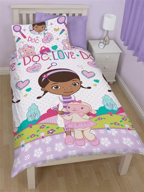 housse de couette docteur la peluche docteur la peluche housse de couette r 233 versible parure de lit 135 x 200 cm docteur la