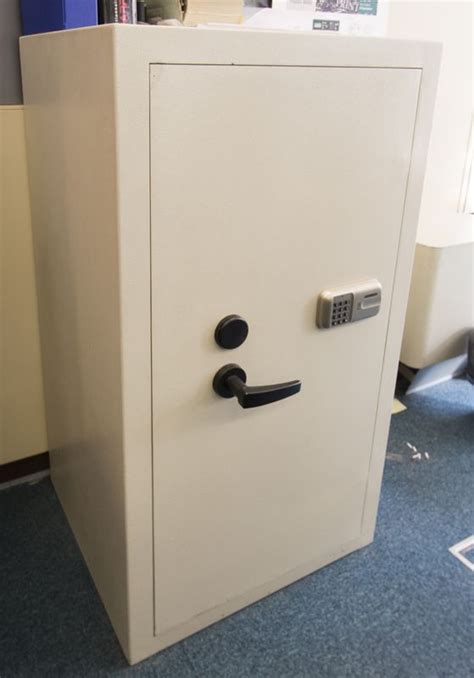 coffre fort de marque digital lock gris clair a
