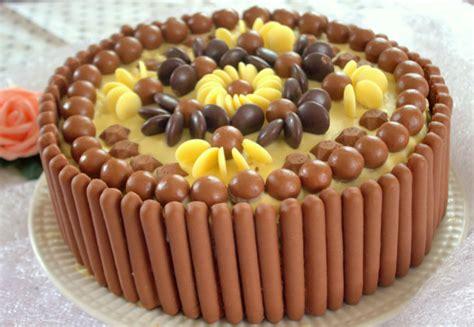 gateau d 39 anniversaire facile aux bonbons chocolat amour
