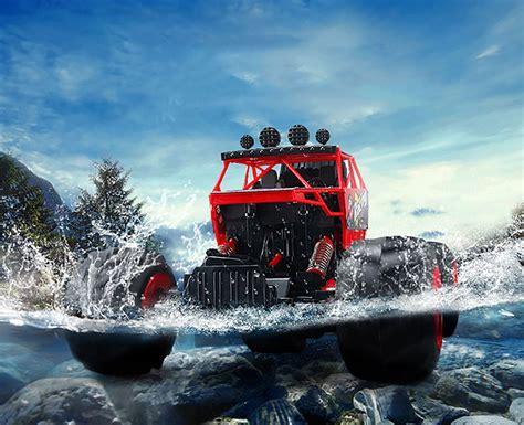 Webby Big Amphibious Car Working On Water