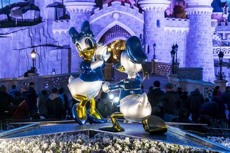 25 A Park That Sparkles Dlp Town Square Disneyland