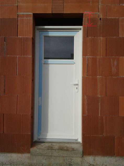 poser une porte de service 20 janvier 2012 pose des menuiseries probl 232 me sur porte de service notre maison mikit dans