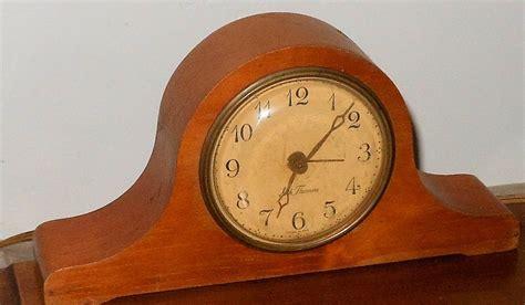 Seth Thomas Model 15483 Windup Mantlette Alarm Clock