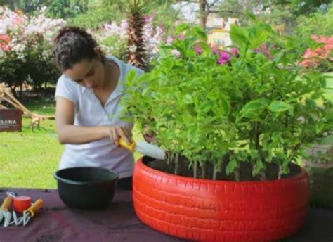 c 243 mo hacer macetas con neum 225 ticos plantas