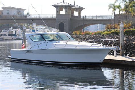 Riviera Express Boats by 2002 Riviera Express W Hardtop Power Boat For Sale Www