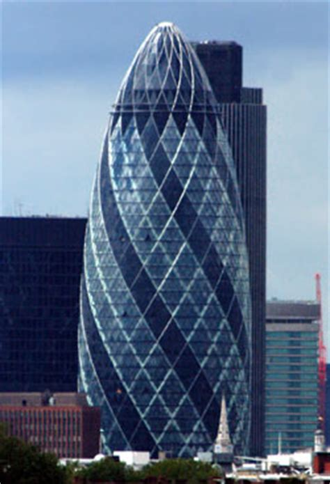 swiss siege the swiss re tower 2003 par foster and partners