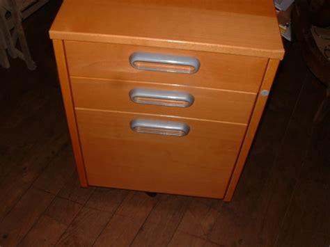 caisson de bureau ikea caisson à tiroirs de bureau ikea couleur miel petites