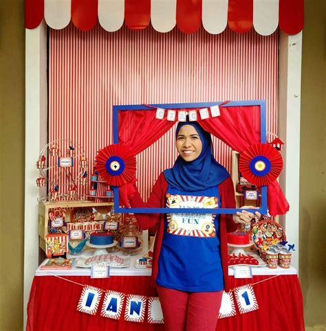lizzie   mummy ians st birthday circus carnival