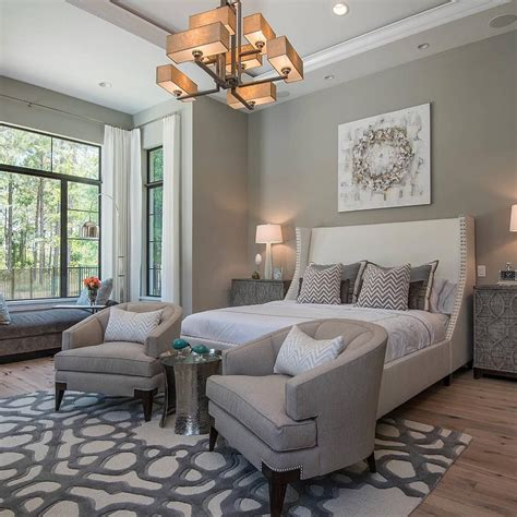 Bedroom Chairs Ideas by So A Sitting Area In A Master Bedroom By