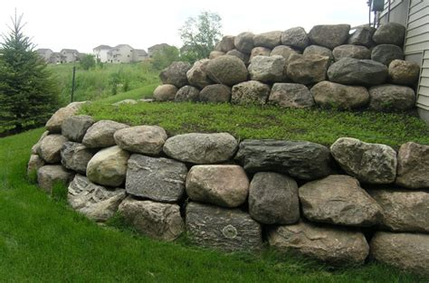 boulder wall minnesota retaining wall company