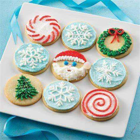 decorating  sugar cookies  christmas