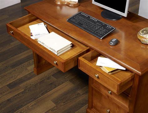 bureau merisier massif bureau 5 tiroirs jeanne en merisier de style louis