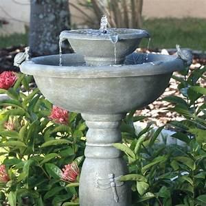 Fontaine solaire de jardin un choix sage et ecolo for Salle de bain design avec fontaines cascades décoratives solaires