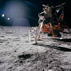 Cool Science News: Buzz Aldrin, First Man (To Pee) On The Moon