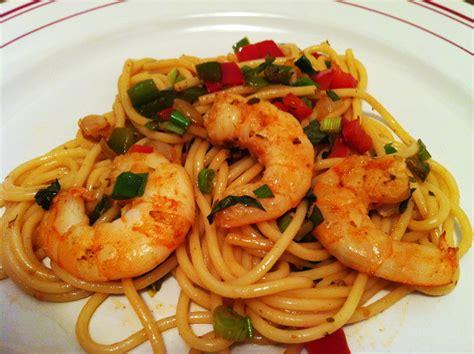 pates chinoises aux crevettes spaghettis aux scis et aux 2 poivrons envie de cuisiner