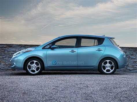 nissan leaf price  reviews features