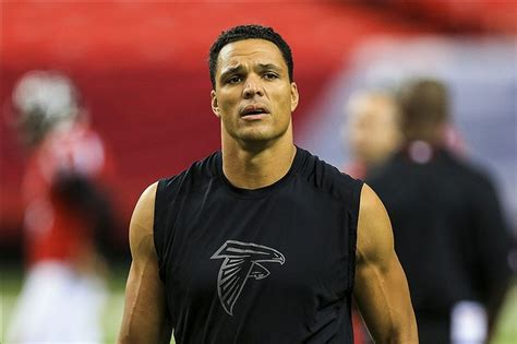 falcons refuse  comment  tony gonzalezs foot injury