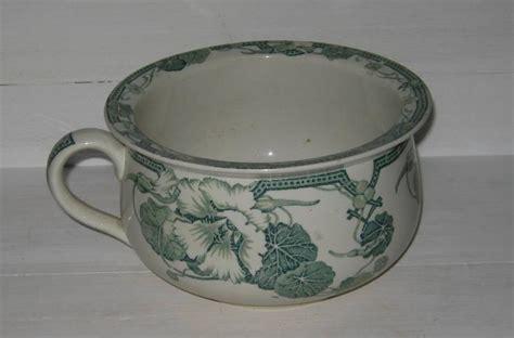 ancien pot de chambre vase de nuit en fa 239 ence kg d 233 cor de fleurs capucines 2690 chinons