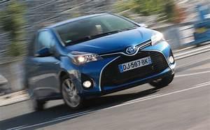 Essai Toyota Yaris Hybride : essai toyota yaris hybride attitude 2015 l 39 automobile magazine ~ Medecine-chirurgie-esthetiques.com Avis de Voitures