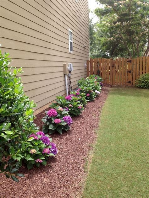Inexpensive Backyard Landscaping by Best 25 Cheap Landscaping Ideas Ideas On